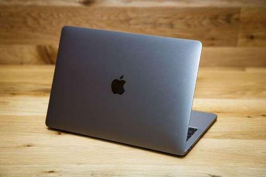 MacBook TouchBar 2019  - Core i5, 13 pouces image 1