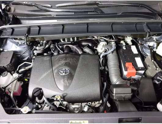 Toyota highlander xle image 5