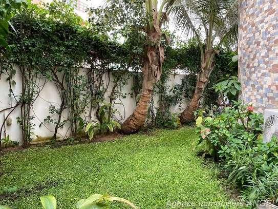 Belle villa avec jardin aux Almadies image 1