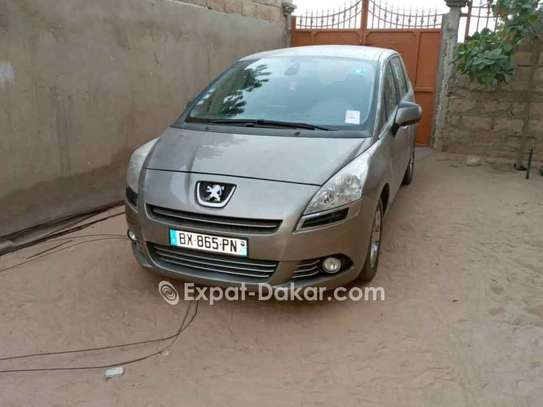 Peugeot 5008 2011 image 1