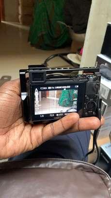 Sony alpharx100 v + grip image 1