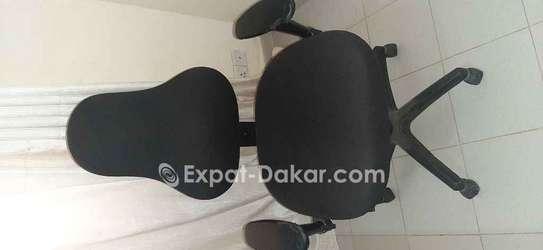 Chaise de bureau roulante image 3
