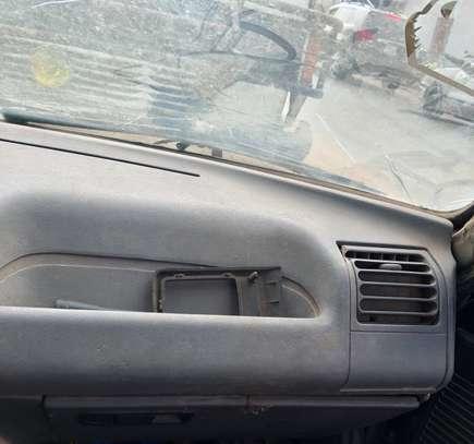 Peugeot 205 papiers complets image 4