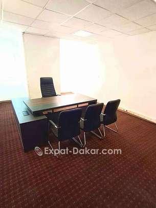 Location de bureau meublé image 3