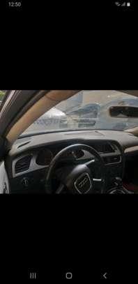 Audi A4 2010 image 6
