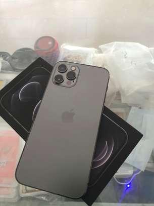 iPhone 12 pro max 128 go image 5
