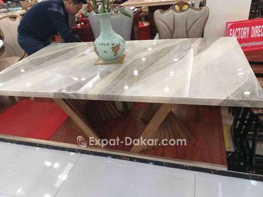 Table à manger VIP en marbre image 2