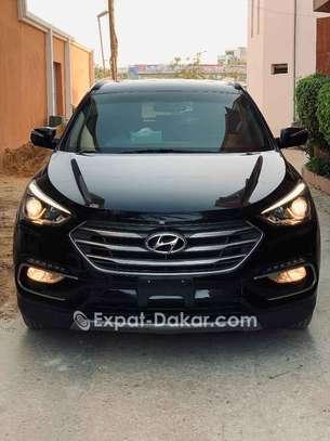 Hyundai Santa Fe 2017 image 2