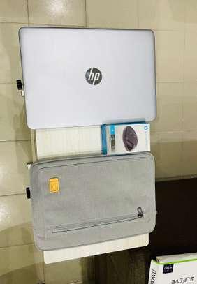 HP Elitbook 840 G4 et accessoires free image 3