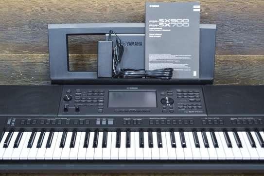 Clavier Yamaha PSR-SX900, PSR-S975, PSR-S970 tout neuf en vente. image 4