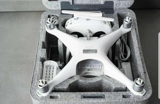 DJI Phantom 4 Pro V2.0 - Drone image 3