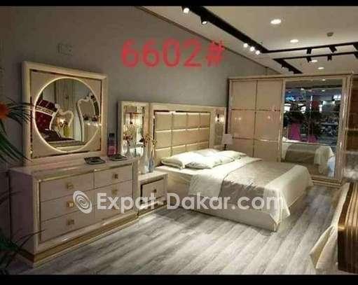 Chambre à coucher + Matelas offert image 2