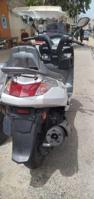 Kymco new dink 125cc image 3