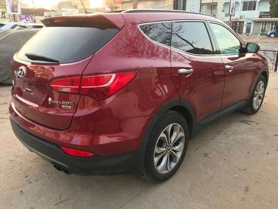 Hyundai Santafe 2015 image 4