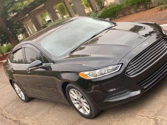 Ford fusion SE image 3