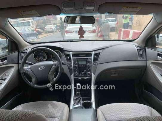 Hyundai Sonata 2011 image 2