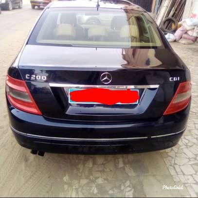 Mercedes c200 image 3
