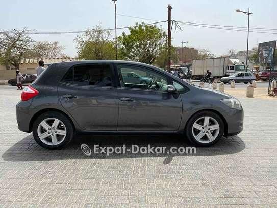 Toyota Auris 2011 image 3