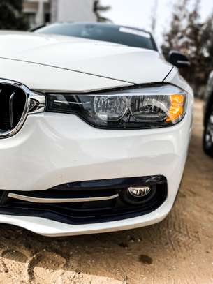 BMW 328i 2016 image 2