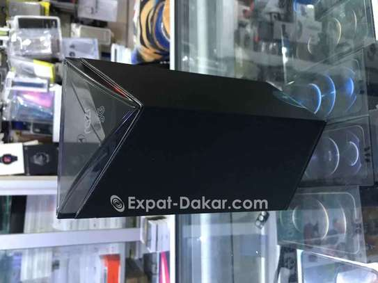 Motorola  razer image 3