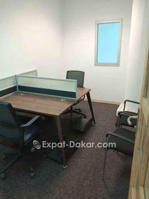 Location de bureau meublé image 6