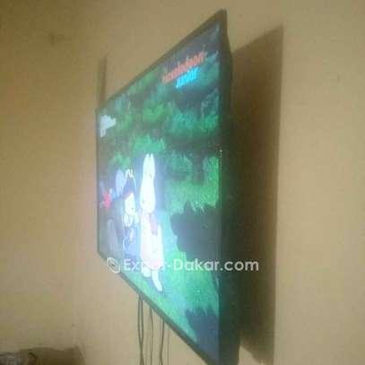 TV Astech  - Ecran 43'' -  1366 x 7 image 3