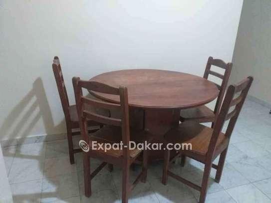 Table à manger + 4 chaises image 3