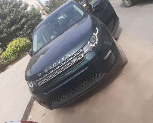 Land Rover Discovery image 3