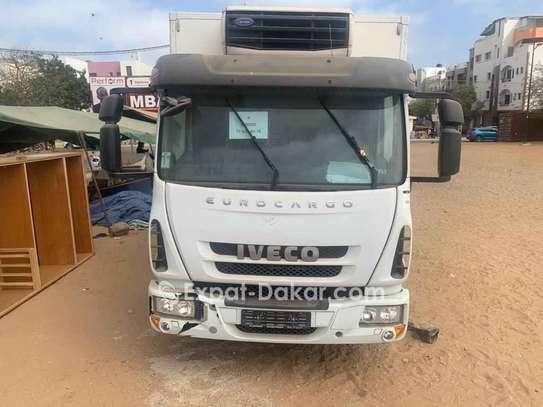 Camion frigorifique Iveco EuroCargo image 1