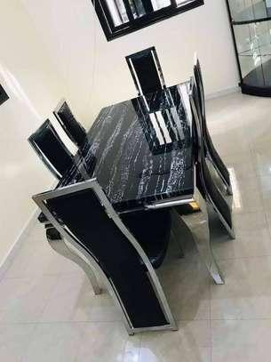 Table en marbre + 6 chaises image 1