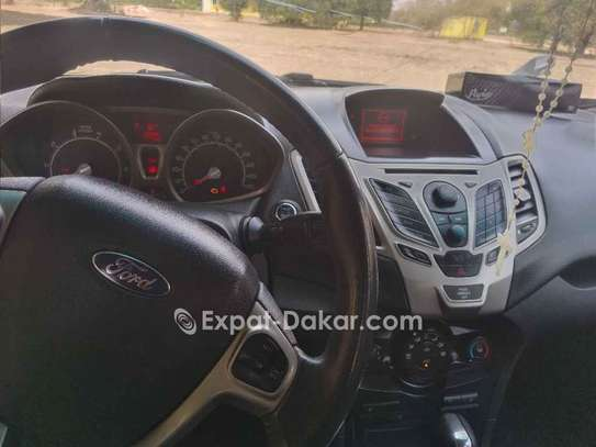Ford Fiesta 2011 image 3