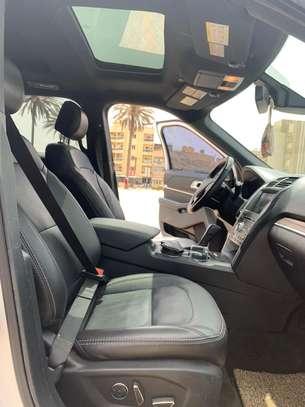 Ford Explorer Limited  2017 image 3