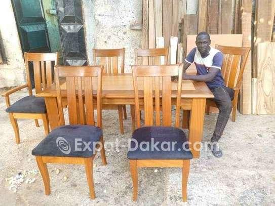 Promotion table à manger en bois image 3