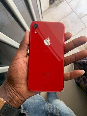 iPhone XR - 128 GB image 2