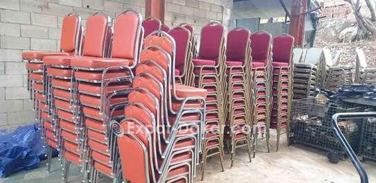 Dès chaise à vendre image 2