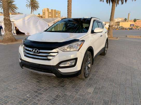Hyundai Santafe 2014 image 2