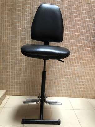 Chaise haute en cuir très confortable image 1