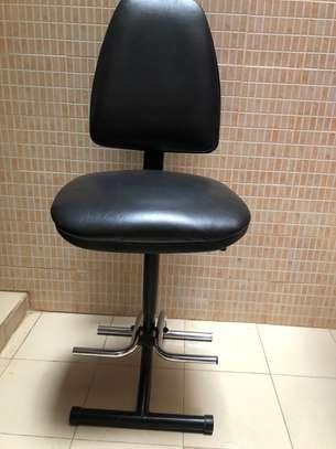 Chaise haute en cuir très confortable image 4