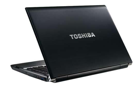 Toshiba vpro core i5 image 2