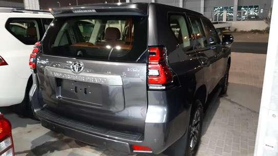 Toyota Prado 2019 image 2