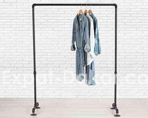 Portant vêtement / étagère murale image 2