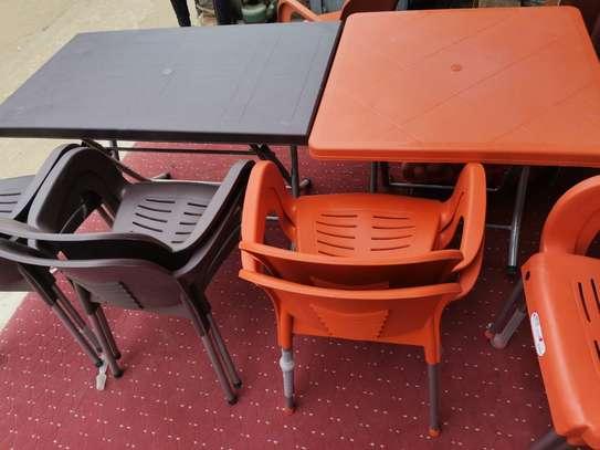 Table et Chaise en plastique image 3
