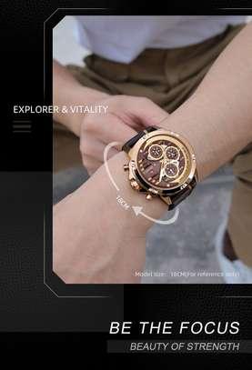 Montre Naviforce de luxe authentique avec coffret en cuire image 1