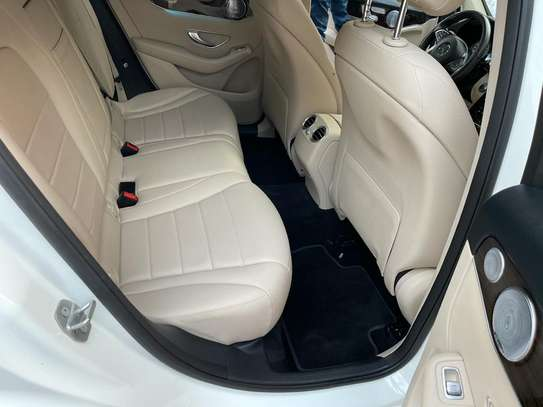 Mercedes GLC 300 image 13