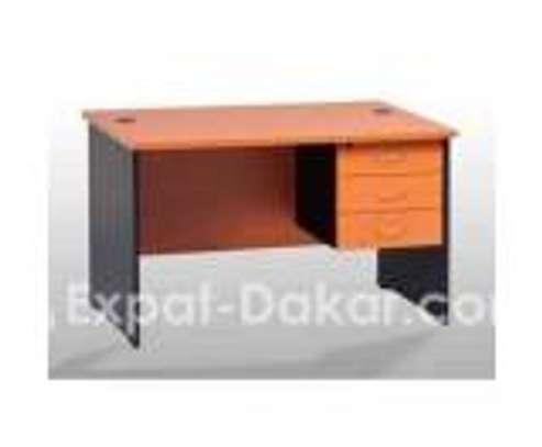 Bureau 1.40m + 3 tiroirs image 1