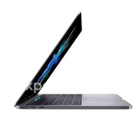 Macbook Pro touchbar core i7 2017 image 3