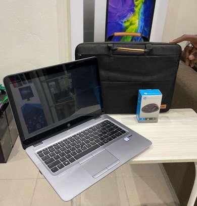 HP Elitbook 840 G4 et accessoires free image 13