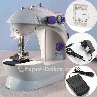 Machine à coudre image 4