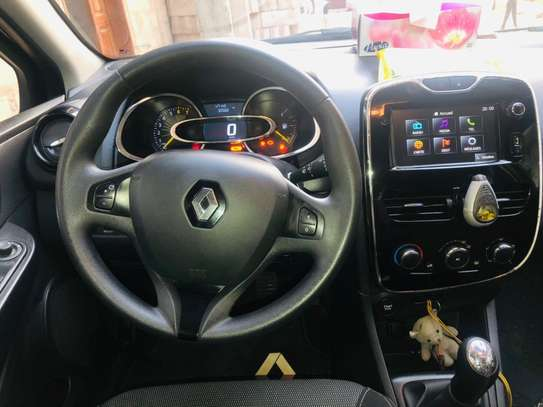 Renault Clio 4 Phase 2 essence année 2013 image 4