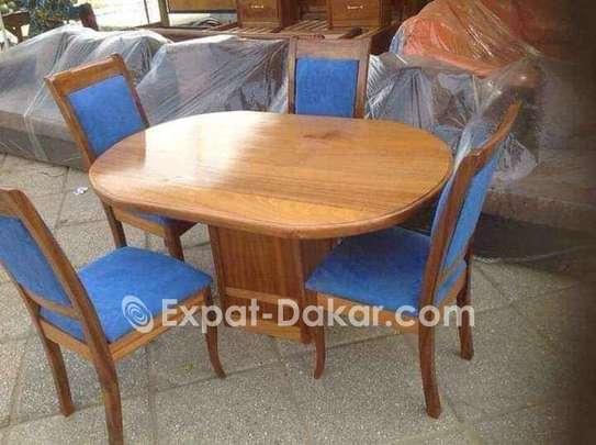 Promotion table à manger en bois image 6